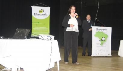 Apresenta 1ª prestac conta OSSJ - A diretora executiva do Observatório Social do Brasil, Roni Enara 1