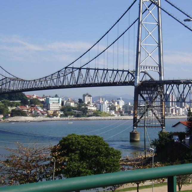 12 - Fabiana Ribeiro Borges (Ponte Hercílio Luz 2) – 4 votos