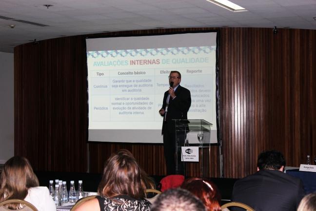 Recentemente, Rodrigo participou, em Brasília, de uma conferência nacional sobre o Controle Interno no Brasil para compartilhar com os participantes as experiências exitosas do sistema europeu